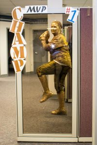 Hilldrup employee dressed as sports statue