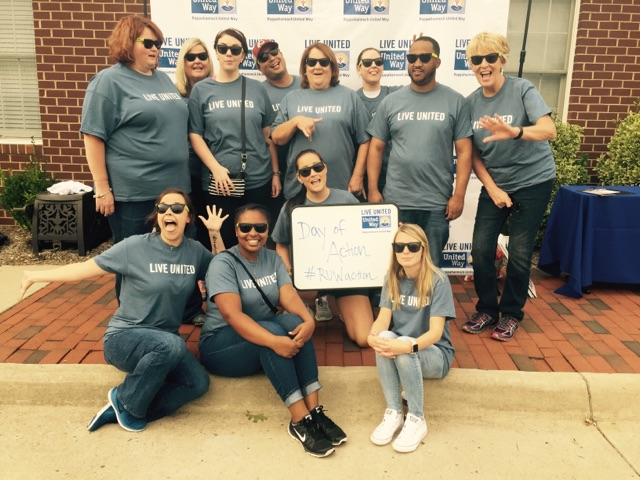 Hilldrup employees at Habitat for Humanity restore
