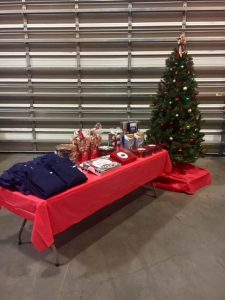 Hilldrup employees enjoy Christmas celebration in facility