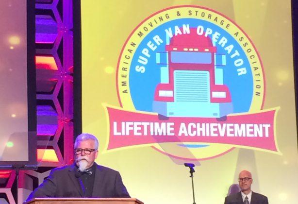 Bob Fitzgerald speaks at podium at AMSA